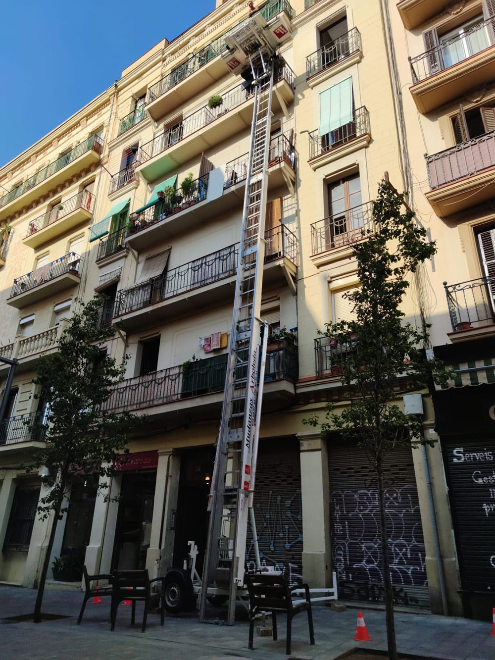 Mudanzas-Arboleda-Plataforma-Elevadora